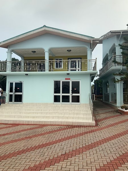 TDI EXECUTIVE LOUNGE, holiday rental in Sekondi-Takoradi