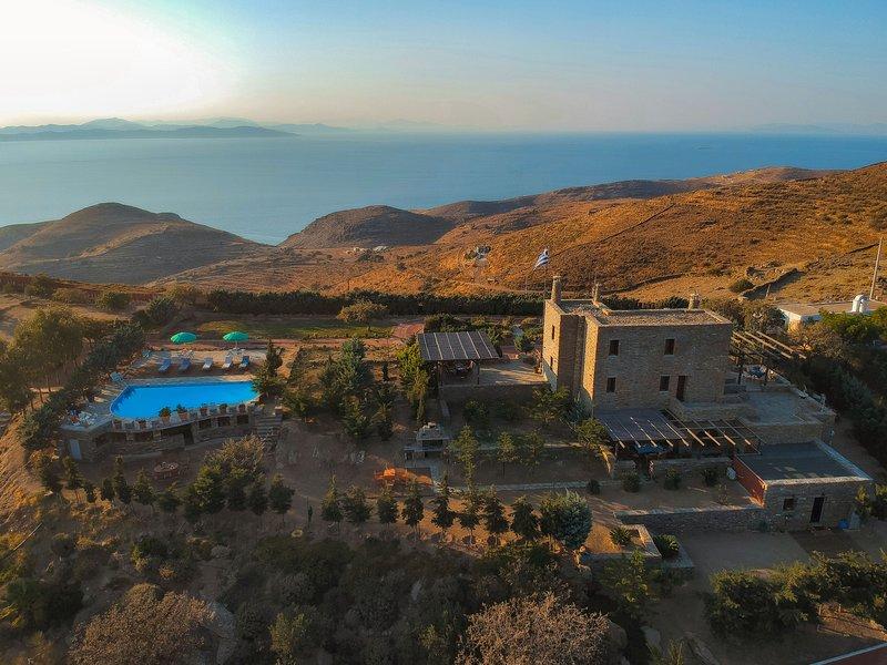 Villa POSEIDON with private pool - Green Island Resort Kea, holiday rental in Korissia
