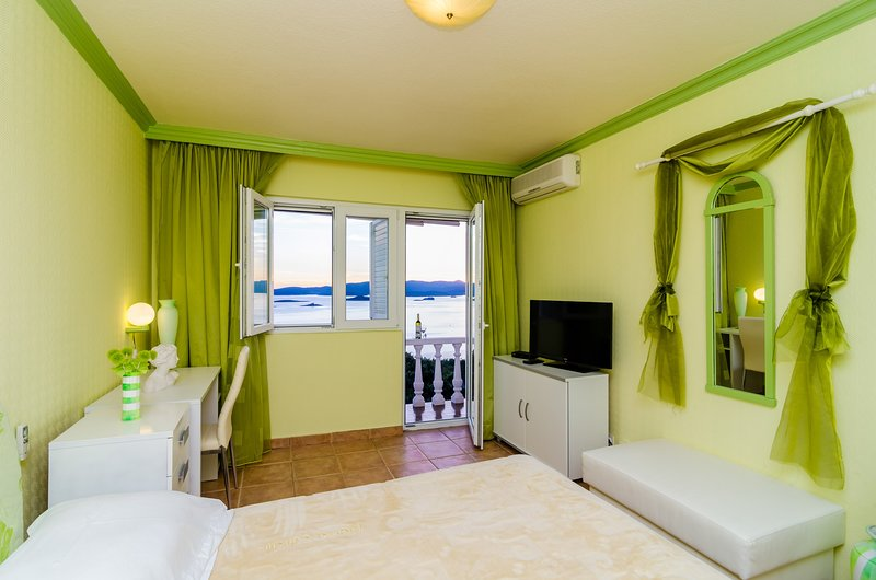 Pansion Villa Antonio - Standard Double Room 8, vacation rental in Stankovici