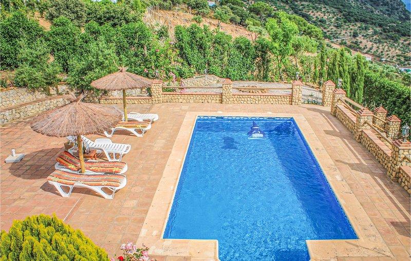 Beautiful home in El Gastor with 3 Bedrooms and WiFi (EAC145), holiday rental in El Gastor