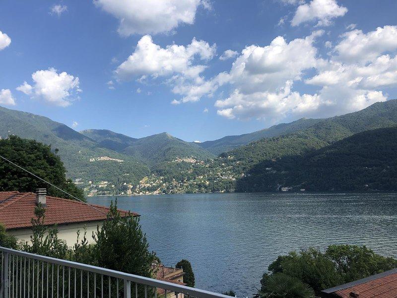 Stunnig apartment Lake Como, alquiler vacacional en Carate Urio