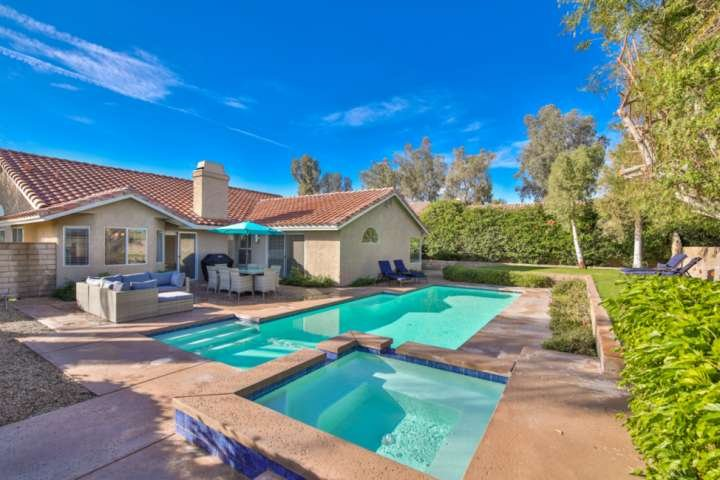 Gorgeous Private Home! Sparkling Pool & Spa - Mountain Views - Walk to Indian We, holiday rental in Indian Wells