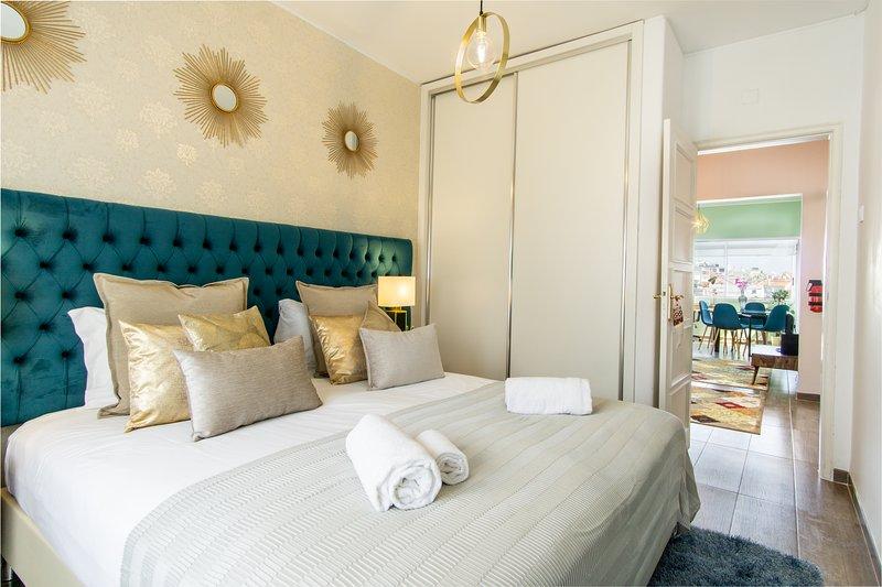 Suite con letto king size comodo materasso king size e TV. Convertibile in letto matrimoniale.