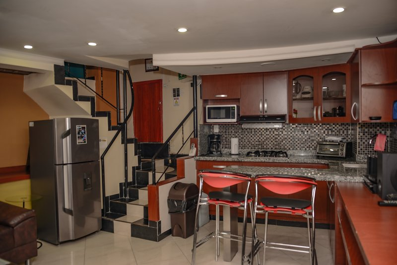 Park Lleras 2  Bedroom AC Hot Tub Calle 10, location de vacances à Medellin