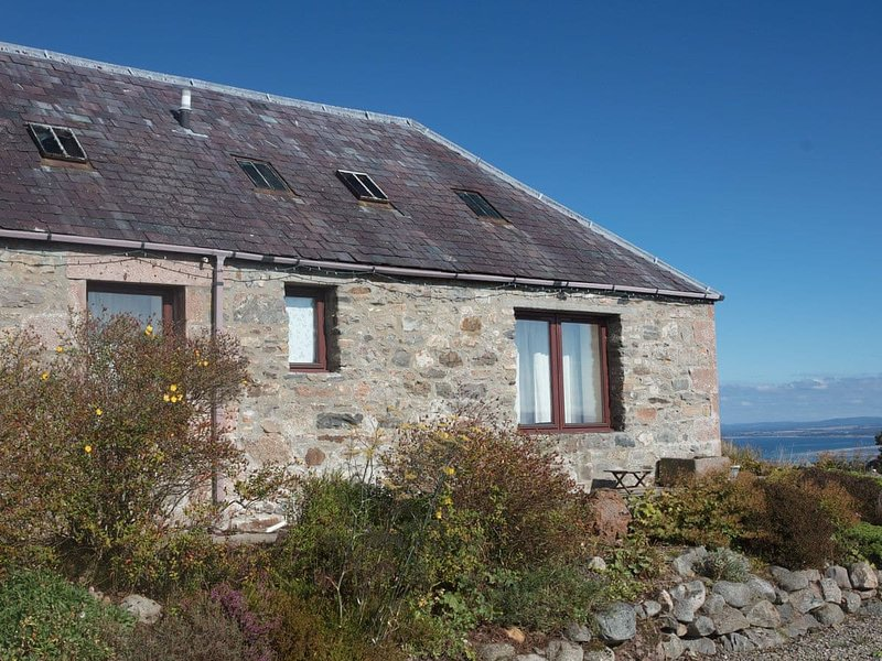 UK13327 Stables, holiday rental in Alness