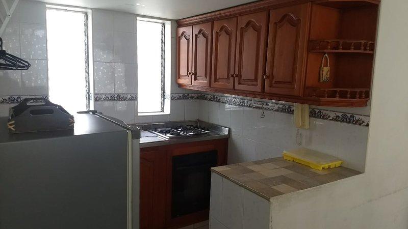Alquiler lindo apartamento vacaciones por días, cerca a la playa, Santa Marta., holiday rental in Santa Marta