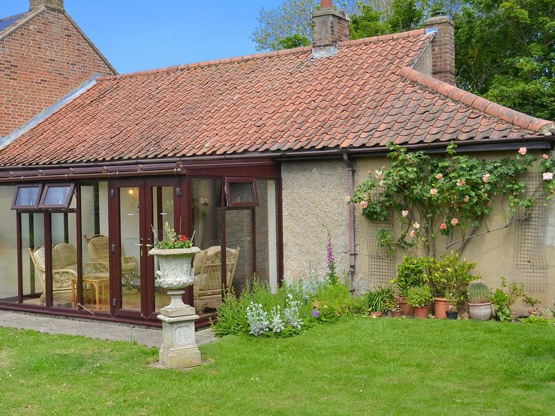 Forge Cottage, holiday rental in Lessingham