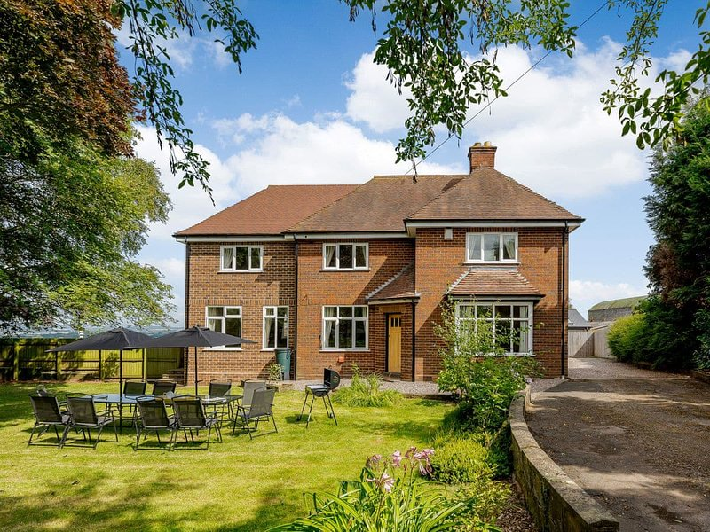 Renchers Farmhouse, holiday rental in Holt