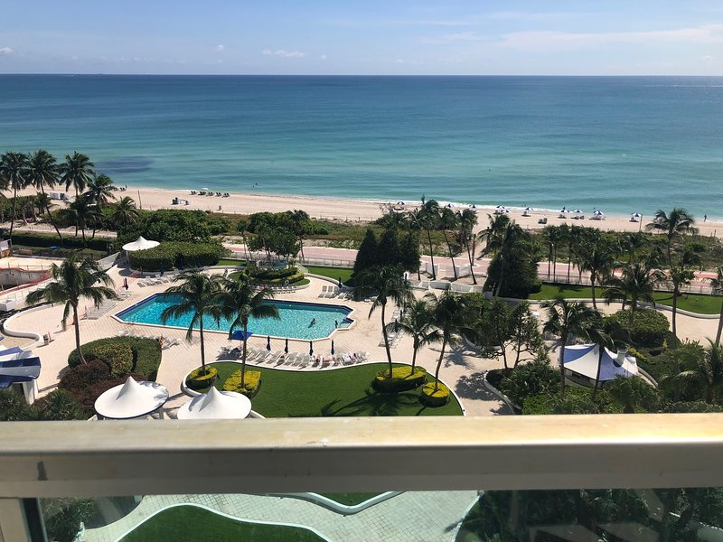 Apartment direct beach and pool view, alquiler de vacaciones en Miami Beach