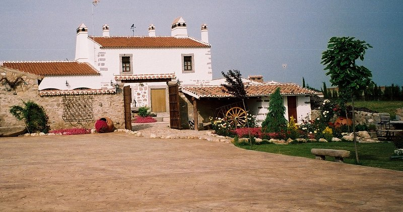 Casa Rural Ventorro de Sales, holiday rental in Pedroche