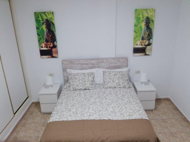 THREE BEDROOM APARTAMENT II NEAR SANTA CRUZ, holiday rental in Llano del Moro