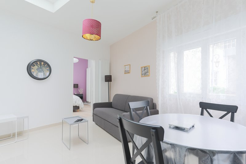 Amazing apt in Paris & Wifi, vacation rental in Levallois-Perret