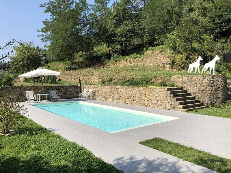 VILLA LIGURE 6 Pax, Pool, A/C, WI-FI, BBQ, near to Cinque Terre, location de vacances à Calice al Cornoviglio