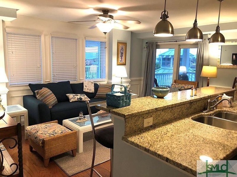 Captain's Watch - 12 - Pool - 1 block to beach, holiday rental in Tybee Island