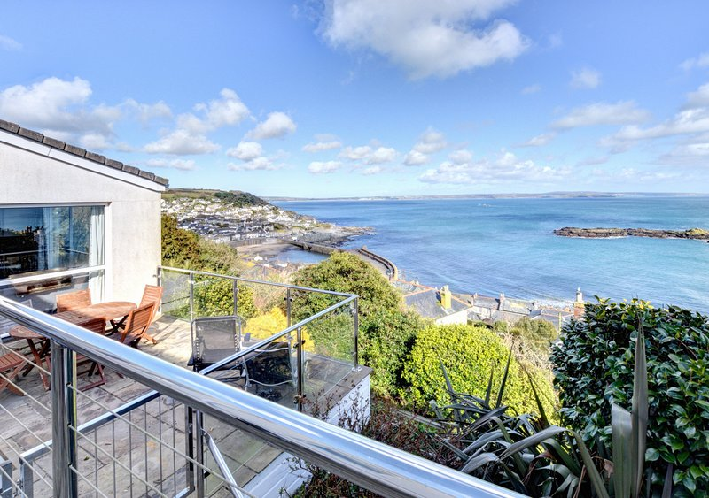 Dolphin Rise, holiday rental in Mousehole