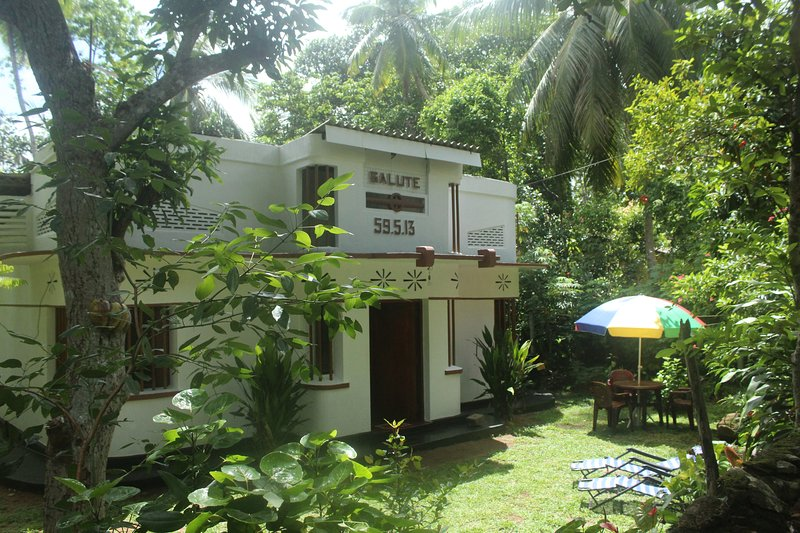 Salute 59, holiday rental in Ahungalla