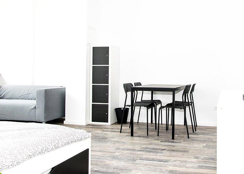 Buisness Apartment für Wohnen auf Zeit bei urbanbnb, aluguéis de temporada em Leinfelden-Echterdingen