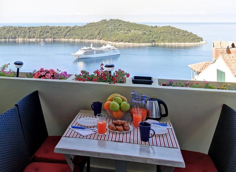 Apartment Blue Harmony - Two Bedroom Apartment with Balcony and Sea View, holiday rental in Sumet