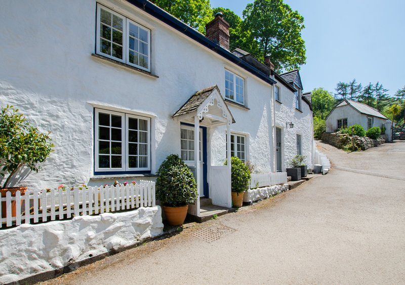 Wednesday Cottage, holiday rental in Gillan