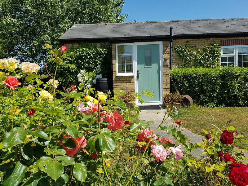 Pear Tree Cottage at Hawthorn Farm, vacation rental in Stourmouth