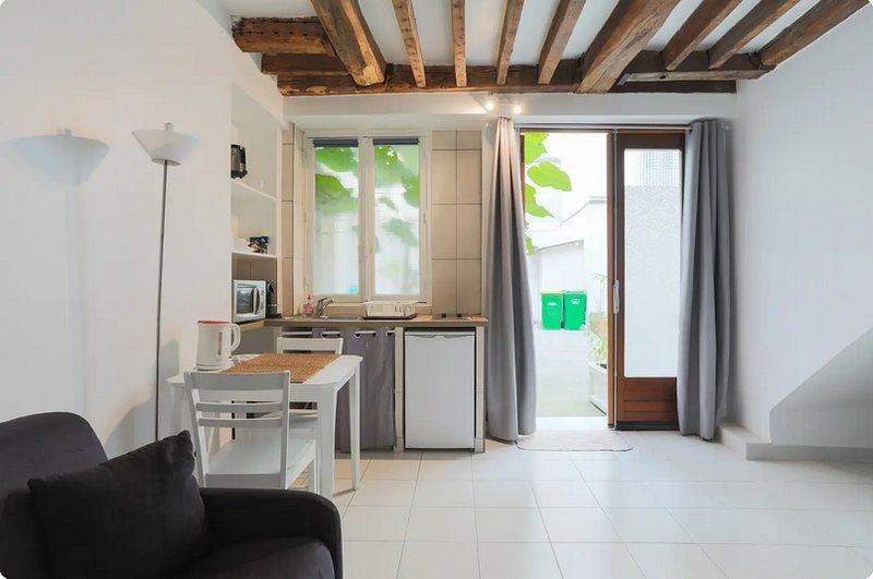 Amazing studio in Paris, vacation rental in Levallois-Perret