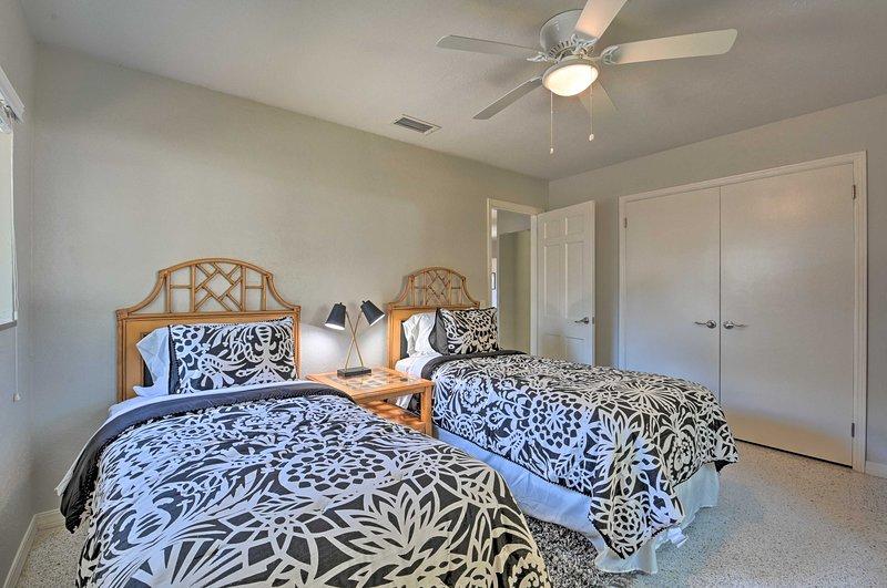 Les frères et sœurs peuvent partager la troisième chambre avec 2 lits jumeaux.