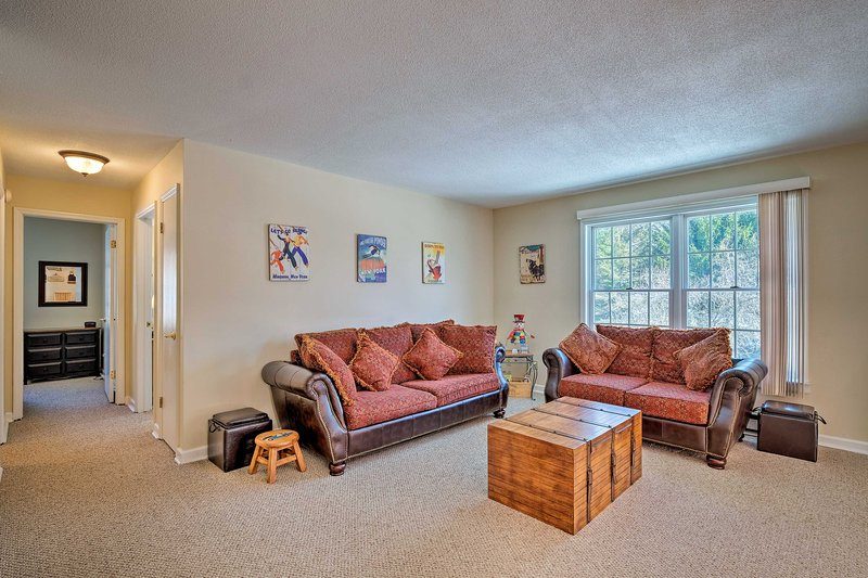 NEW! Cozy Condo: Hike & Ski the Catskill Mountains, holiday rental in Cornwallville