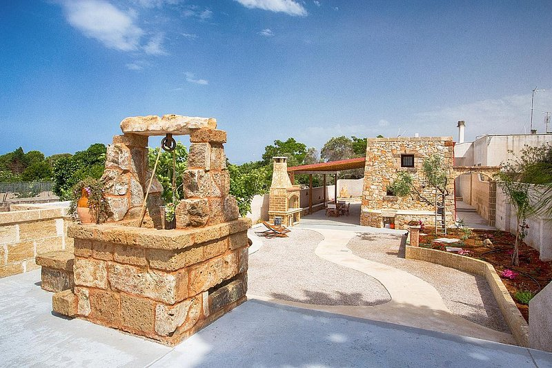 Trullo Daunia, vacation rental in Torre Suda
