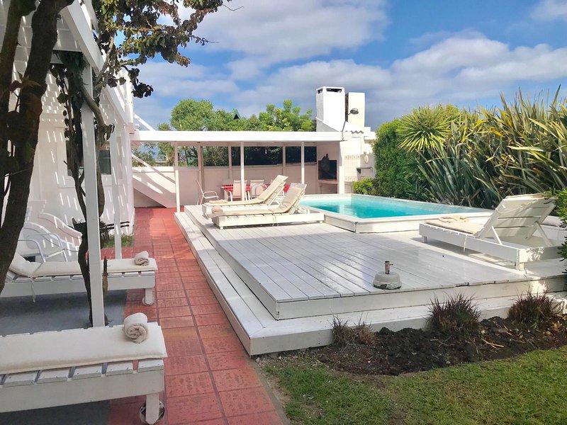 La Barra, sea views 4 en suite bedrooms pool for 9, alquiler de vacaciones en La Barra