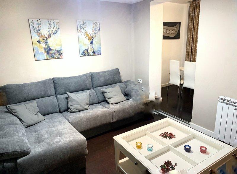 Casa céntrica a 1 MINUTO DEL PILAR *perfecta para conocer la ciudad*, holiday rental in Zaragoza