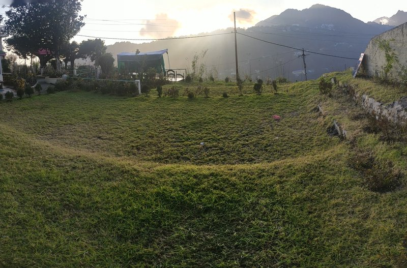 Prashant Homestay: Backpacker's Hut, holiday rental in Khurpatal