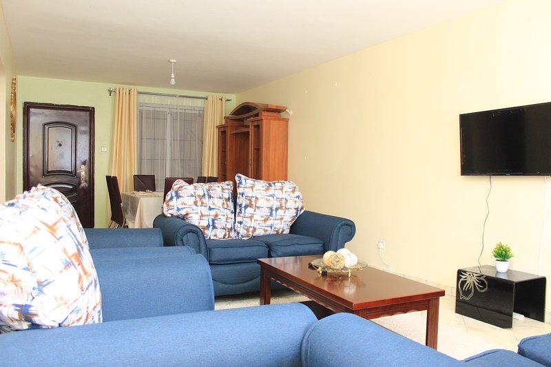 Essy's Comfy Two Bedroom Apt in Milimani Nakuru, alquiler de vacaciones en Lake Elementaita