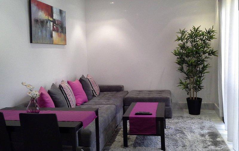Lovely Furnished Apartment -bnew Maarifghandi, alquiler de vacaciones en Nouaceur