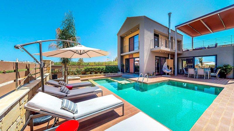 Dessin Seaview Villa, Just 50m From Kolymvari Beach, Chania, vacation rental in Kolymbari