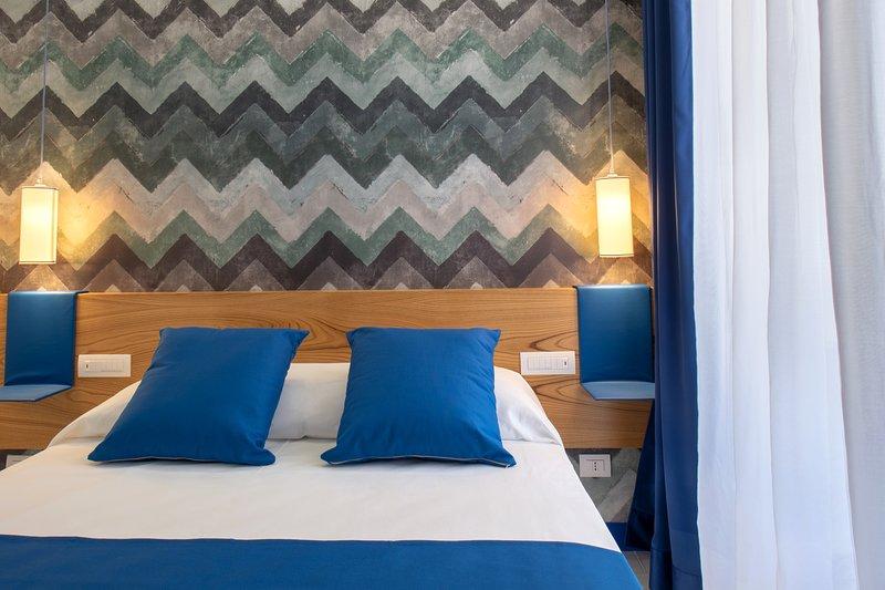 Suite doppia con letto matrimoniale, finestra luminosa con vista, wifi /, a / c, usb, mobili di alta qualità