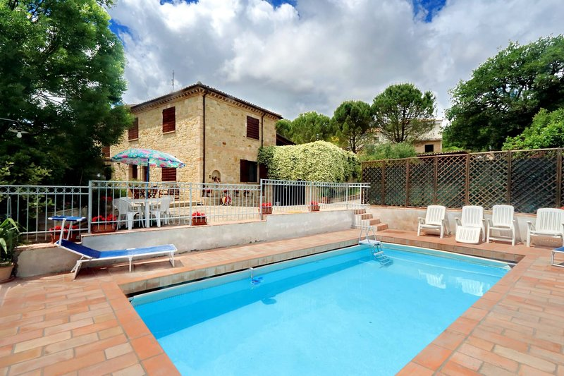 Villa Colle Bello, holiday rental in San Severino Marche