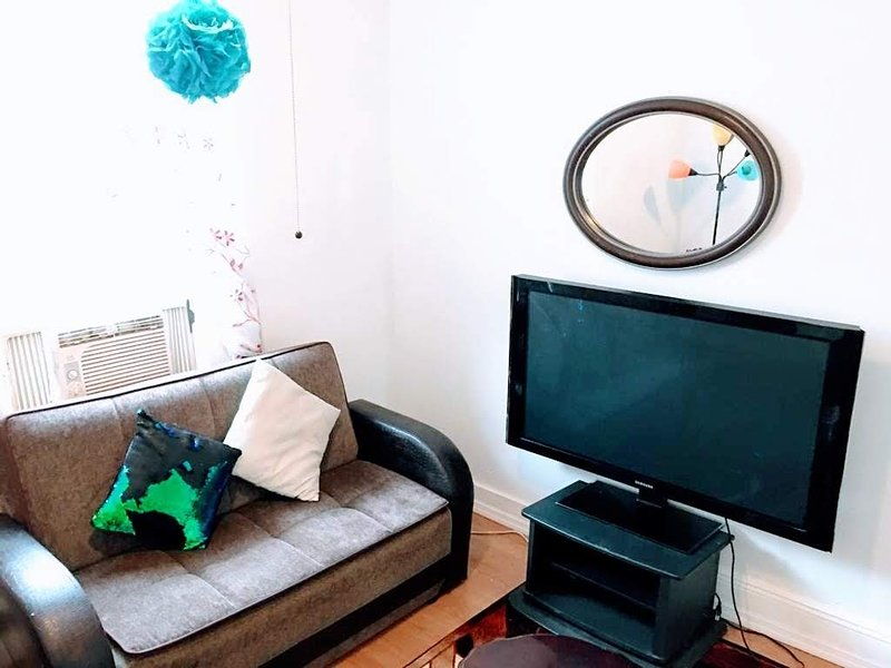 Cozy Apartment Easy Transportation 2 New York City, vacation rental in Guttenberg