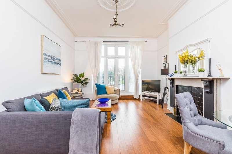 All on your doorstep, holiday rental in Portsmouth