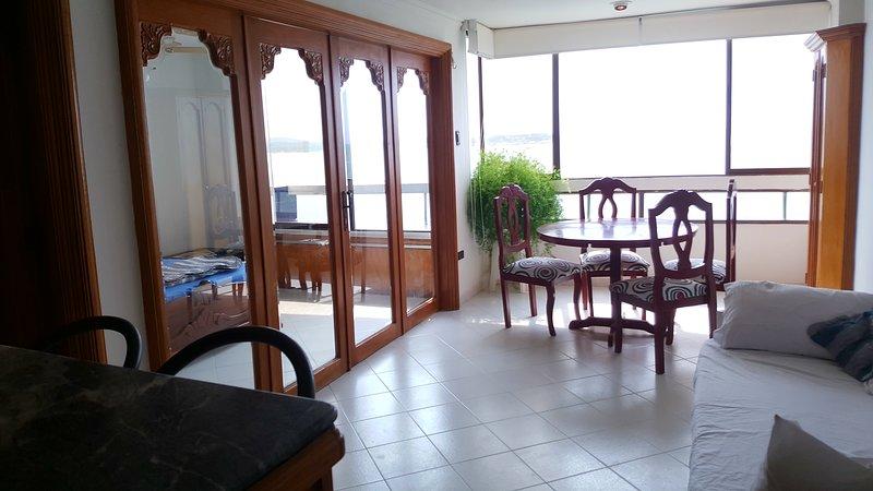 Elegant Oceanside, Ferienwohnung in Islas de Rosario