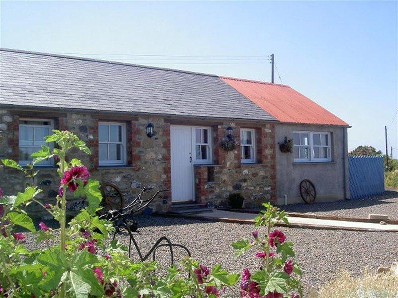 CASA MIA, 2 bedroom, Pembrokeshire, holiday rental in Trefasser