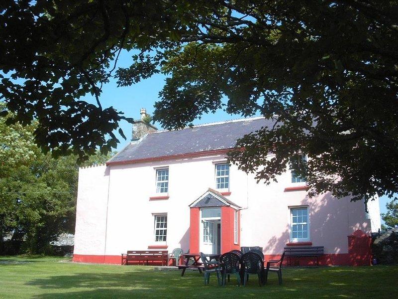 TREMYNYDD FAWR, 4 bedroom, Pembrokeshire, holiday rental in St Davids