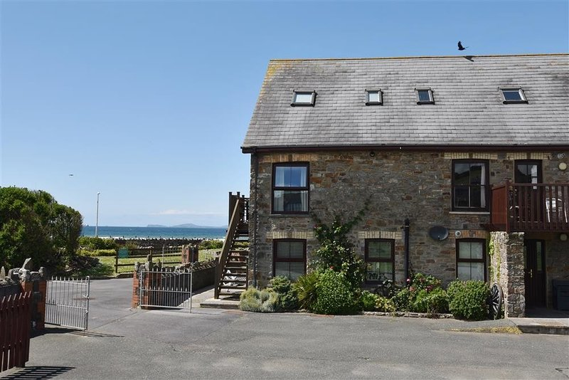 5 THE COACHHOUSE, 3 bedroom,, vacation rental in Broad Haven