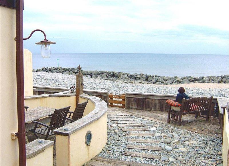 NEPTUNE HOUSE, 4 bedroom, Ceredigion, holiday rental in Borth