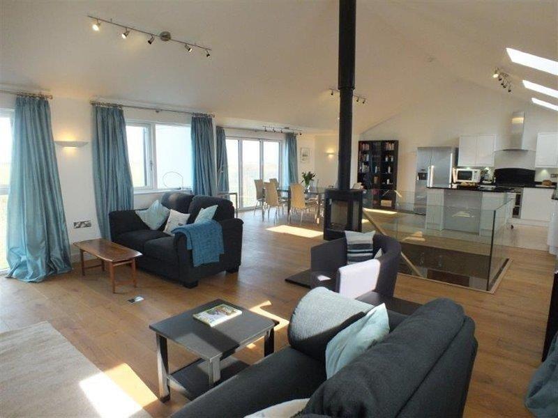 GWELFOR, 4 bedroom, Pembrokeshire, aluguéis de temporada em St Ishmaels