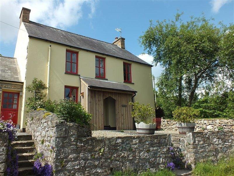 RISING SUN, 4 bedroom, Pembrokeshire, holiday rental in Moylegrove