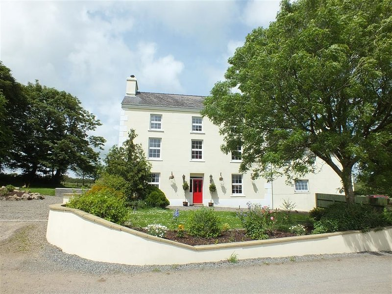 NEWTON WEST FARM, 7 bedroom, Pembrokeshire, holiday rental in Letterston