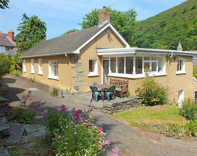 YR ODYN, 3 bedroom, Ceredigion, vacation rental in Tan-y-groes