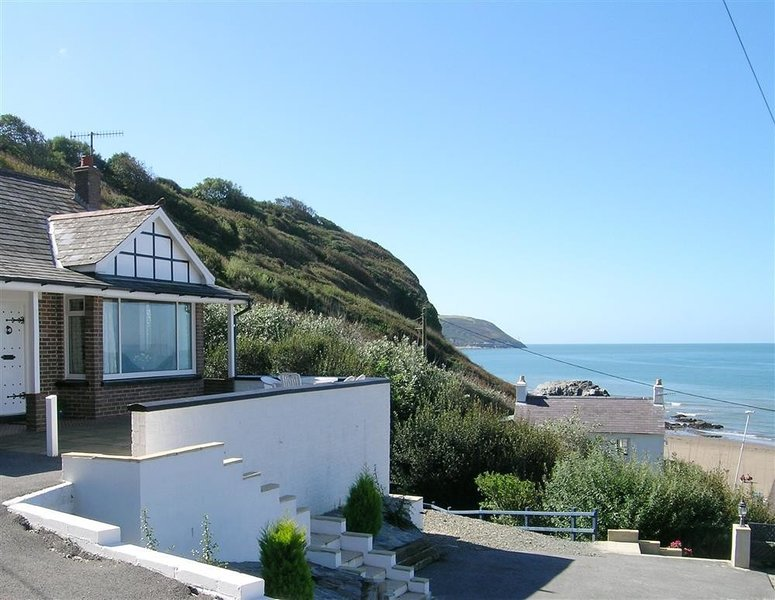 DELYN AUR, 3 bedroom, Ceredigion, vacation rental in Tan-y-groes