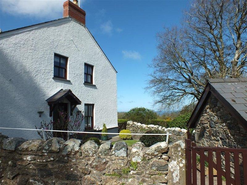 BLAENPANT BACH, 1 bedroom, Pembrokeshire, vacation rental in Rosebush