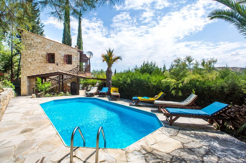 3 Bedroom Villa Ambeli, Paphos, Cyprus, holiday rental in Pano Arodes
